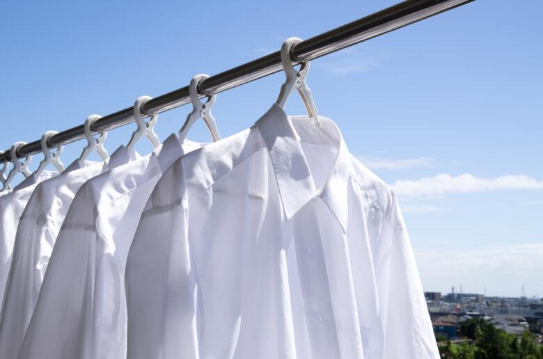 ワキガは服が黄ばむ原因?汗との関係や適切な洗い方を紹介