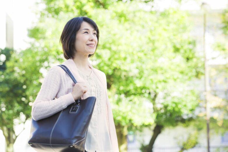 女性も40代からは加齢臭対策を!ホルモンの減少や疲労で強くなる?