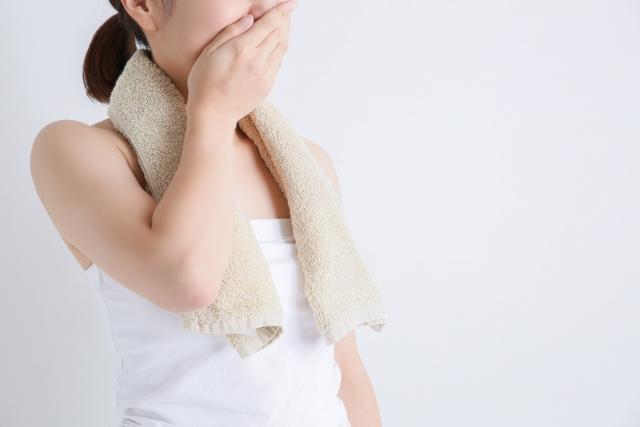 耳が汗臭い原因
